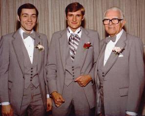케빈 스페이시의 사진과 그의  형제  Randall Fowler